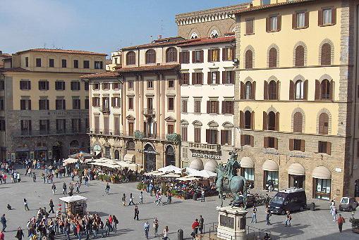 File:Firenze.PiazzaSignoria01.JPG