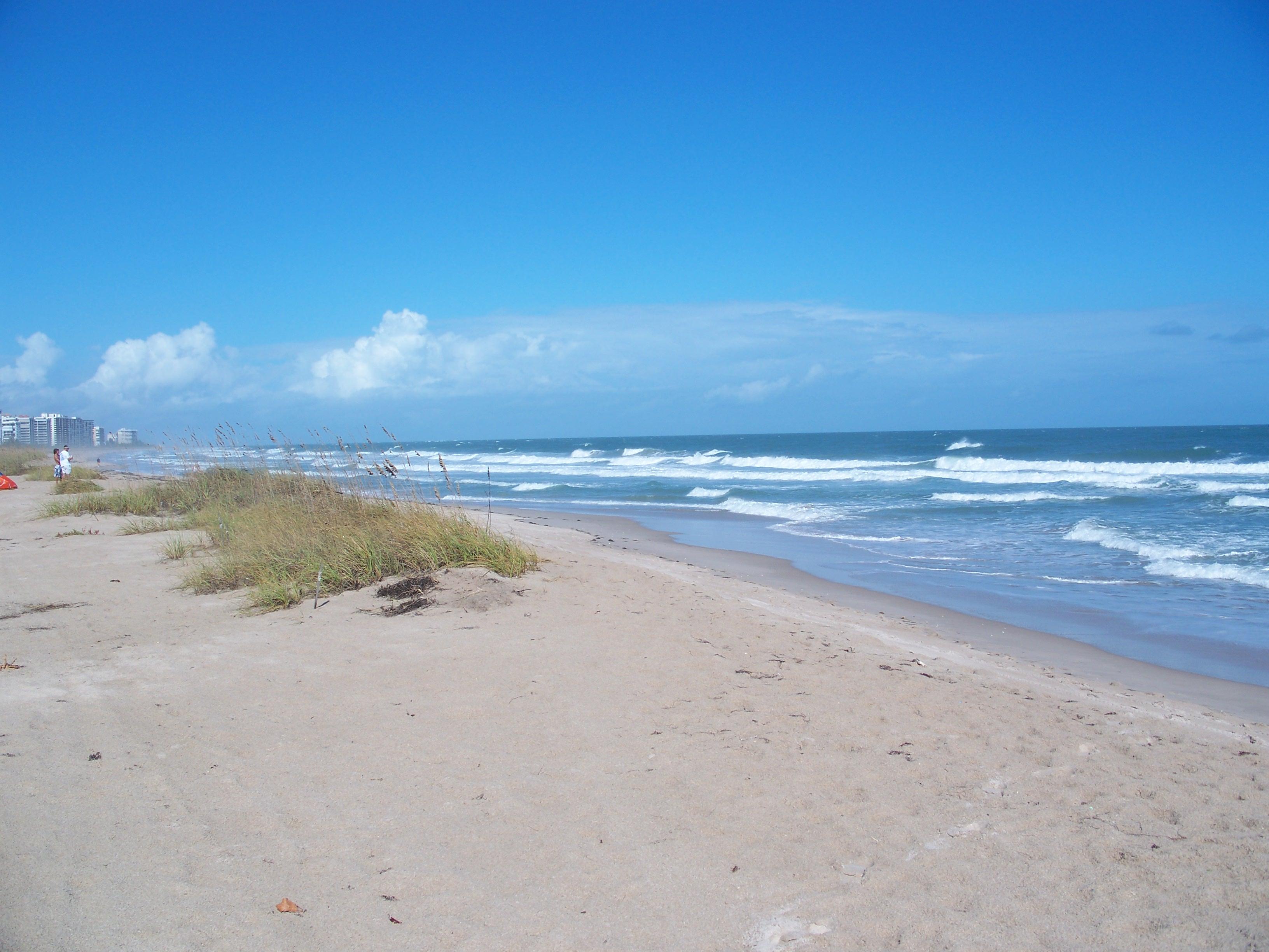 File:Ft Pierce FL Fort Pierce Inlet SP beach01.jpg