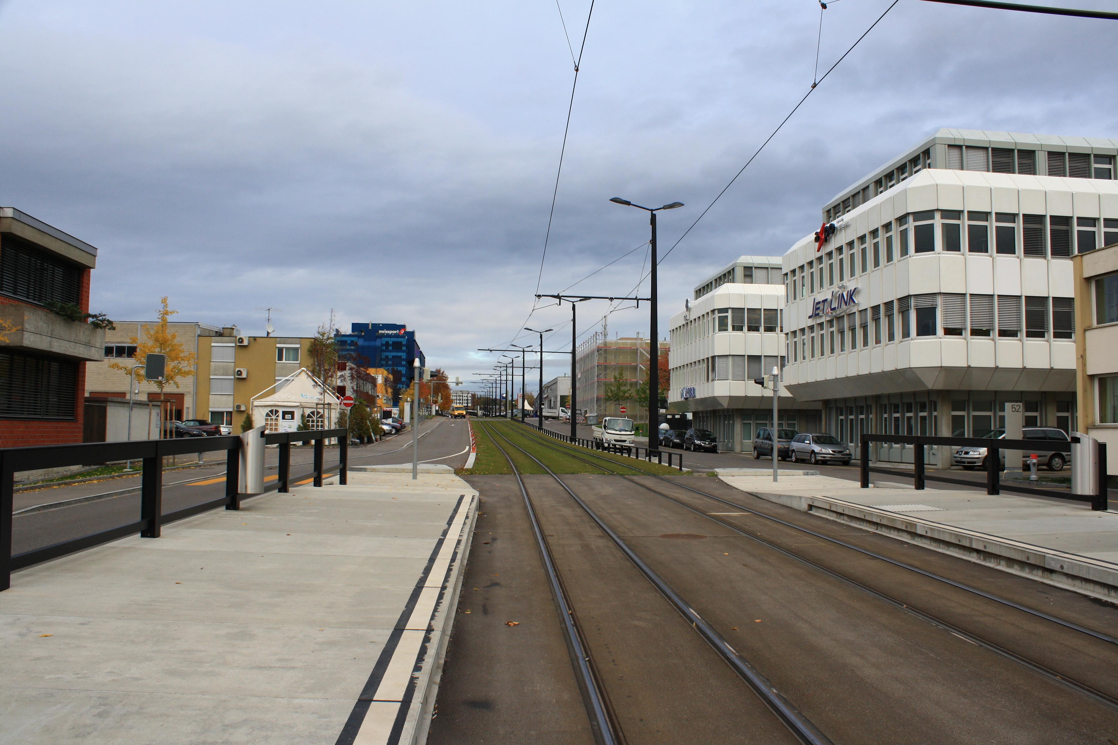 File:Glattbrugg - Flughofstrasse-Unterriet IMG 2634.JPG