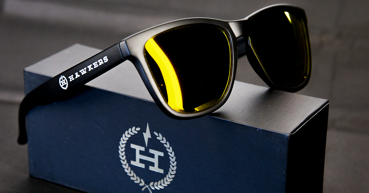 File:Hawkers sunglasses yellow box.png