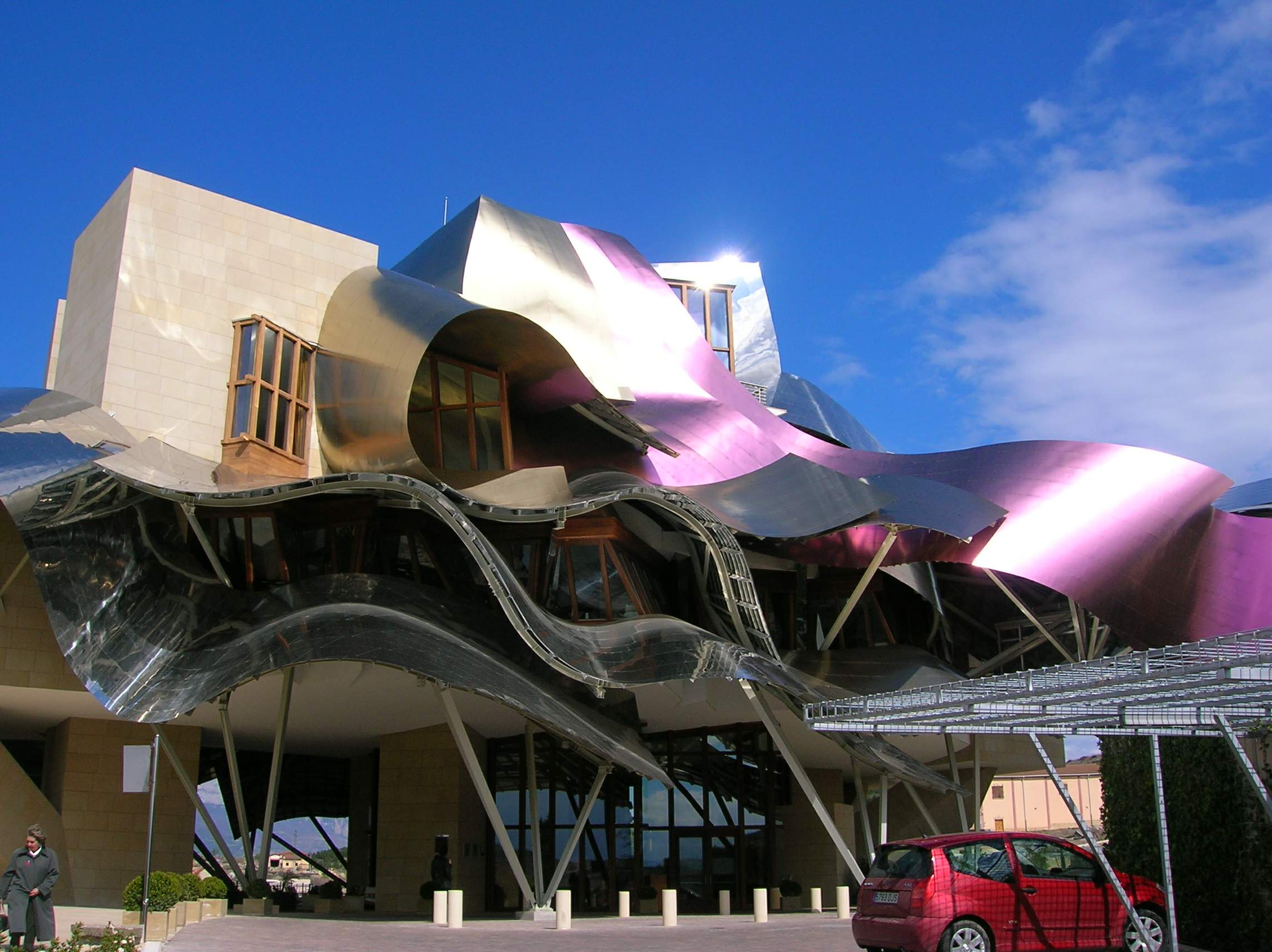 File hotel marques de wikimedia commons for Bodegas marques de riscal