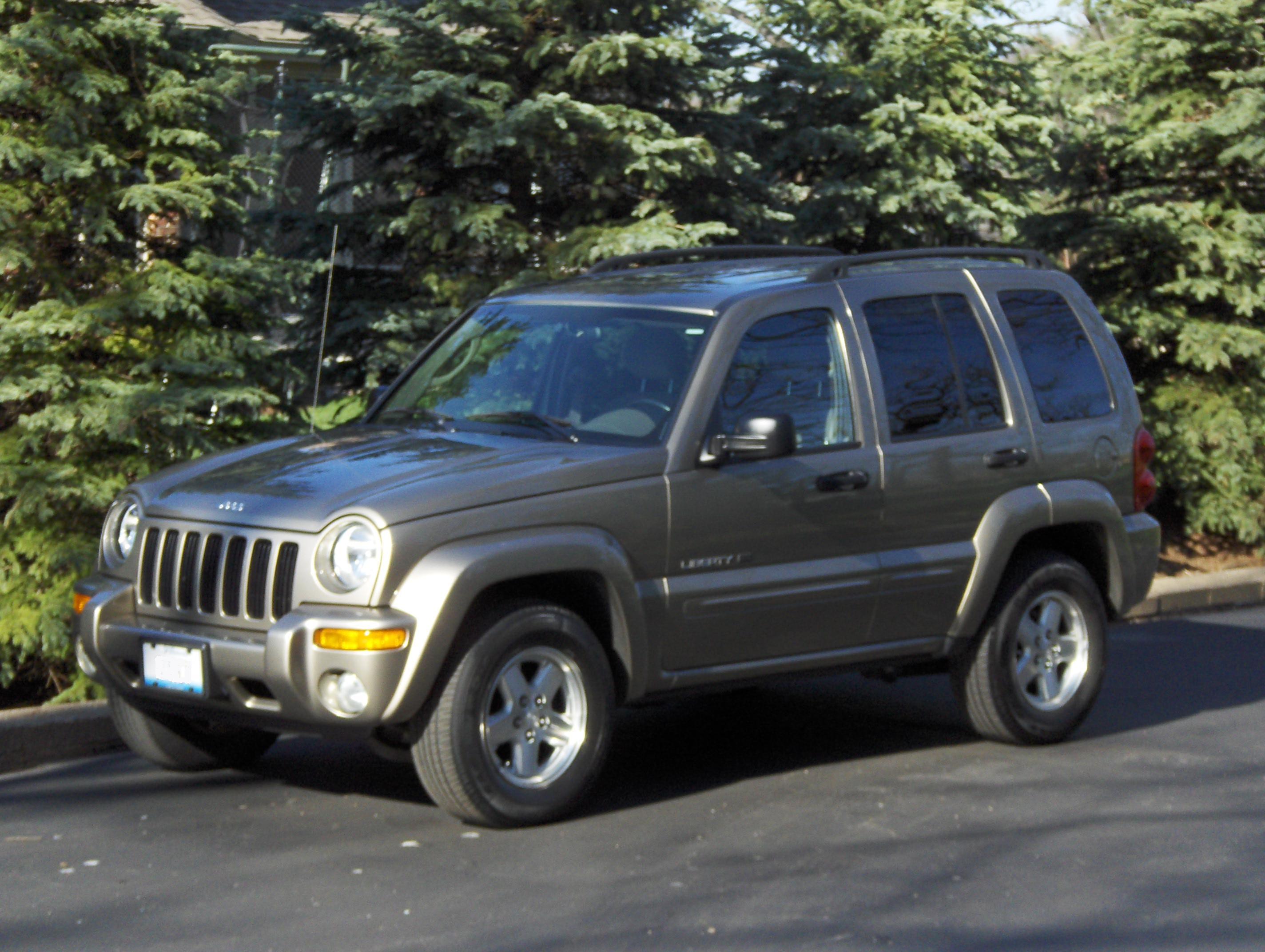 File:Jeep Liberty 03 Khaki.JPG - Wikimedia Commons