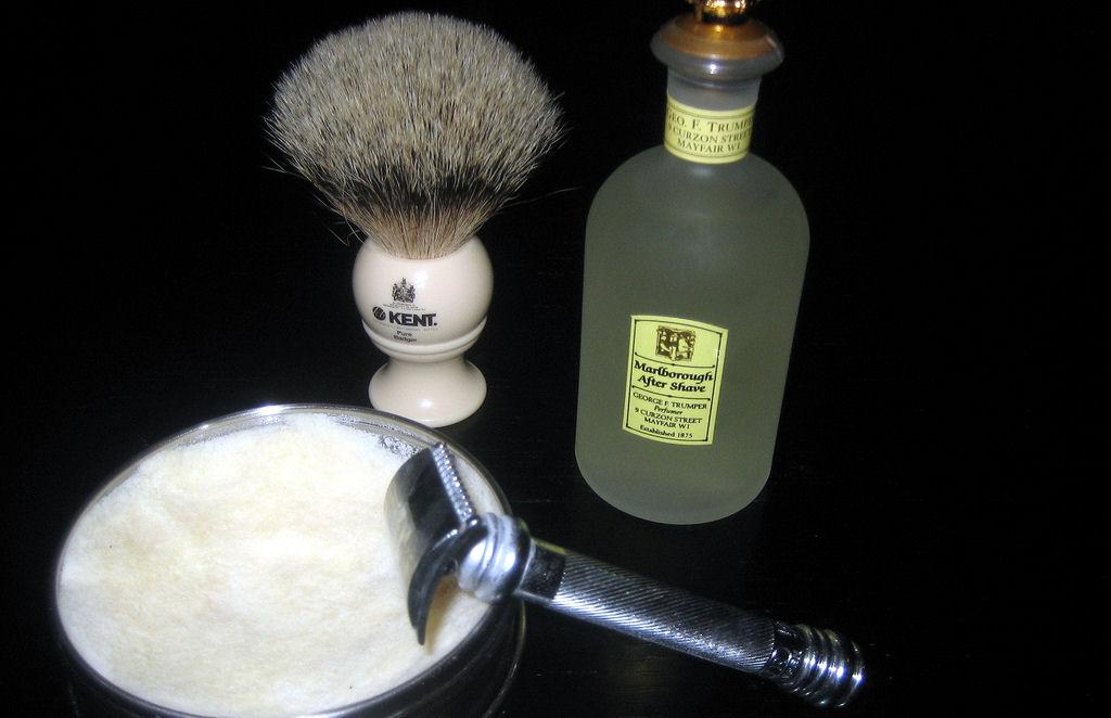 File:Kent shaving brush jpg - Wikimedia Commons