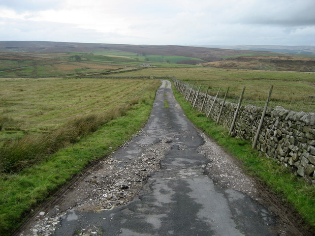 Lane descending towards Brandstone Beck - geograph.org.uk - 1560851