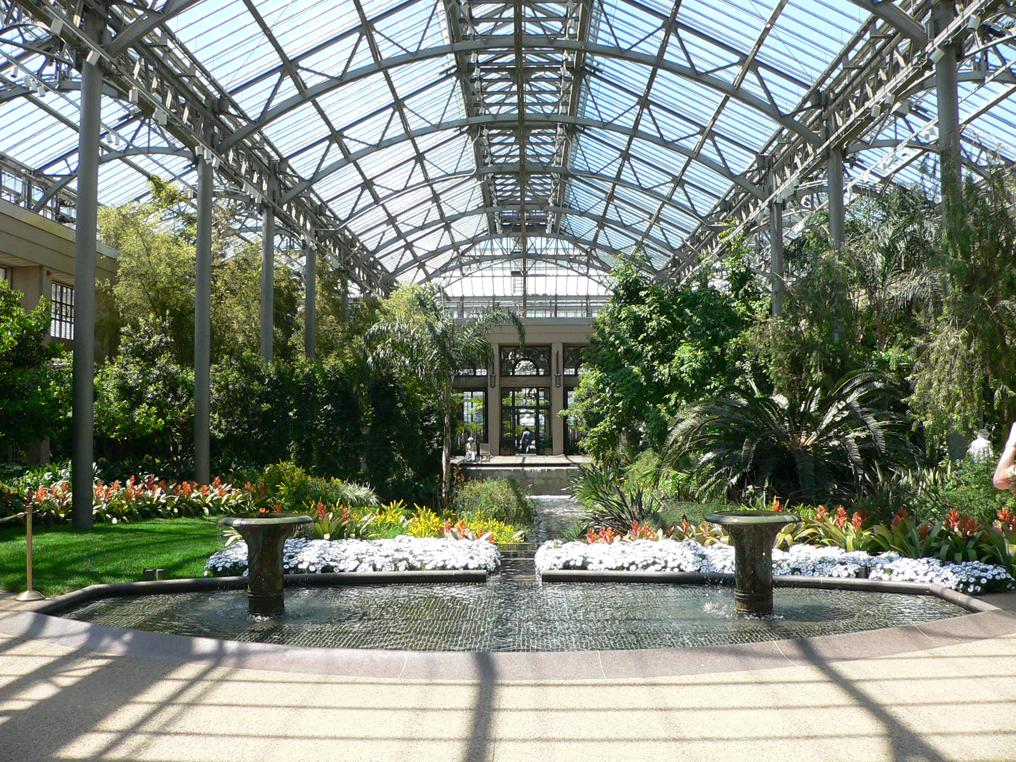 Indoor gardens gardening forums for Atrium garden window