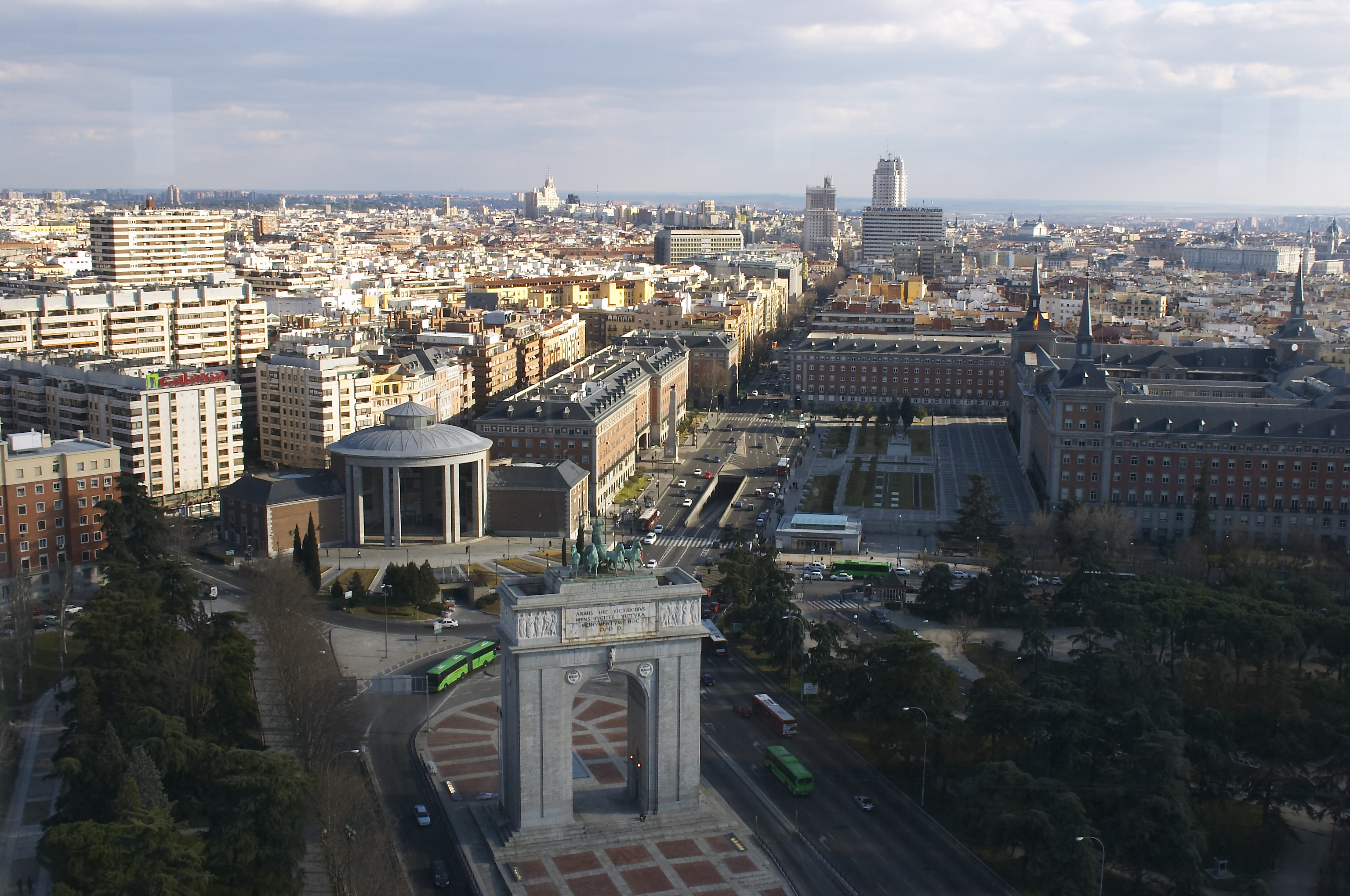View to the south from the Faro of Moncloa | © Barcex / WikiCommons