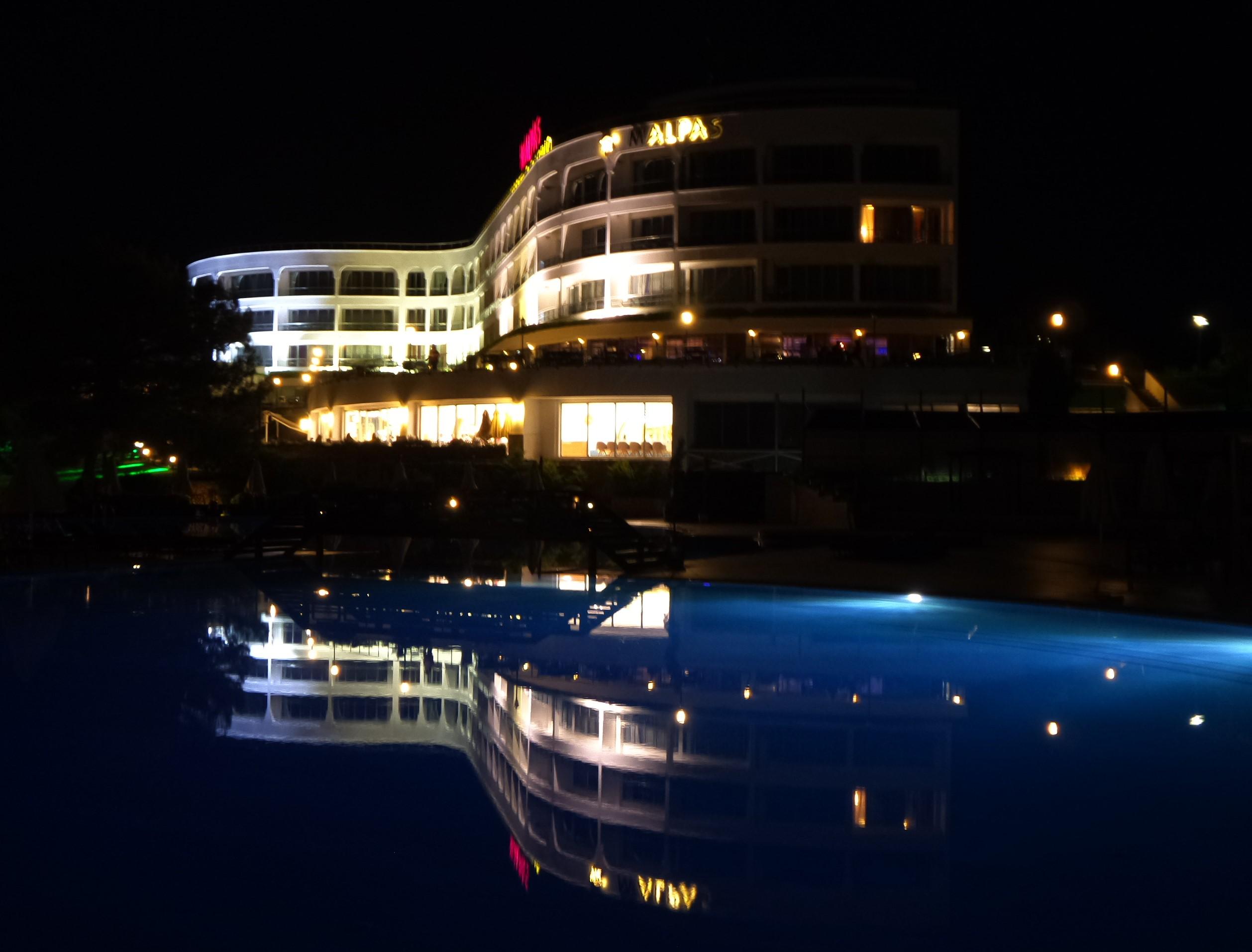 following license: English Malpas Hotel & Casino, Kyrenia/Girne, North Cyprus German Malpas Hotel & Casino, Kyrenia/Girne, Nord Zypern object has role: