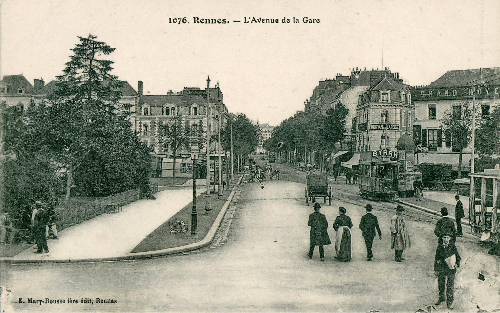 File:Mary-Rousselière 1076 - RENNES - L'Avenue de la Gare.