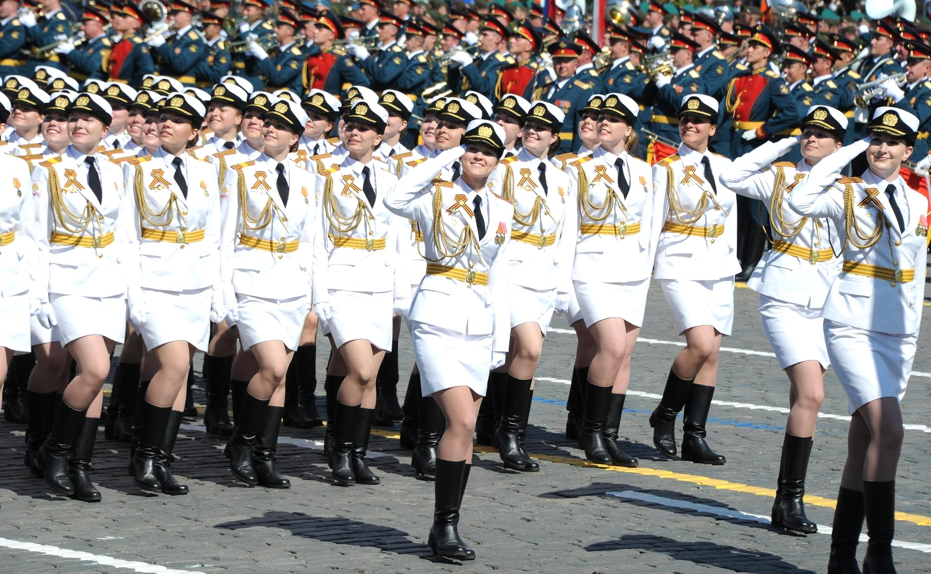 Military_parade_on_Red_Square_2016-05-09