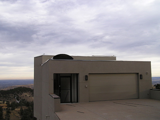 File:Modern home on Lookout Mountain, 2007.jpg