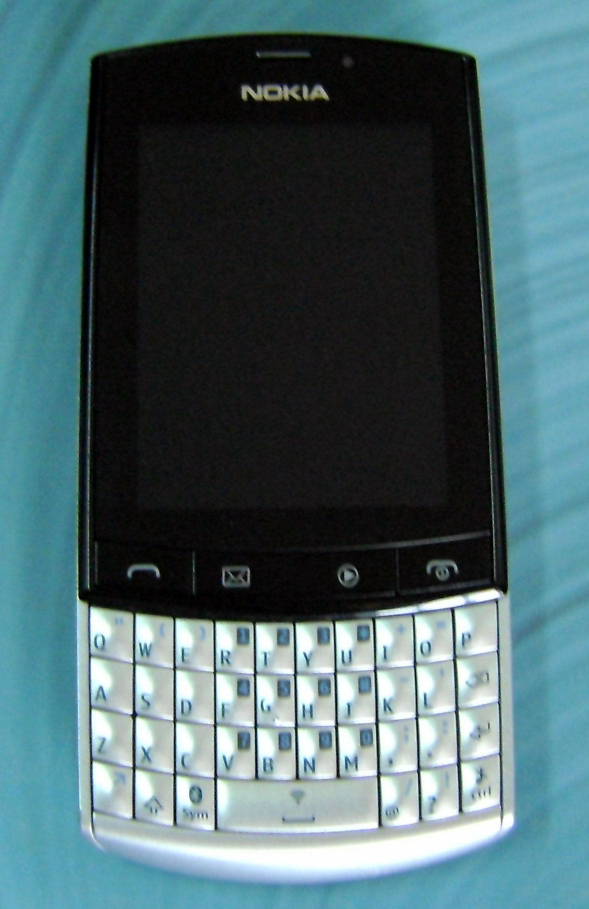 Description Nokia Asha 303.png
