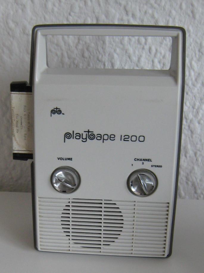 https://upload.wikimedia.org/wikipedia/commons/f/f3/Playtape1200.jpg