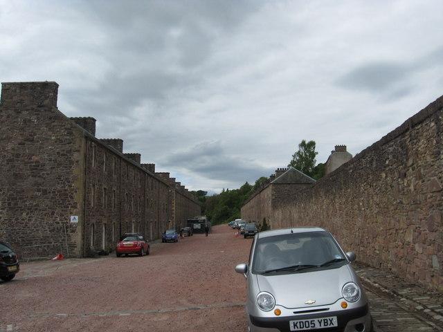 File:Residential street at New Lanark - geograph.org.uk - 1319634.jpg