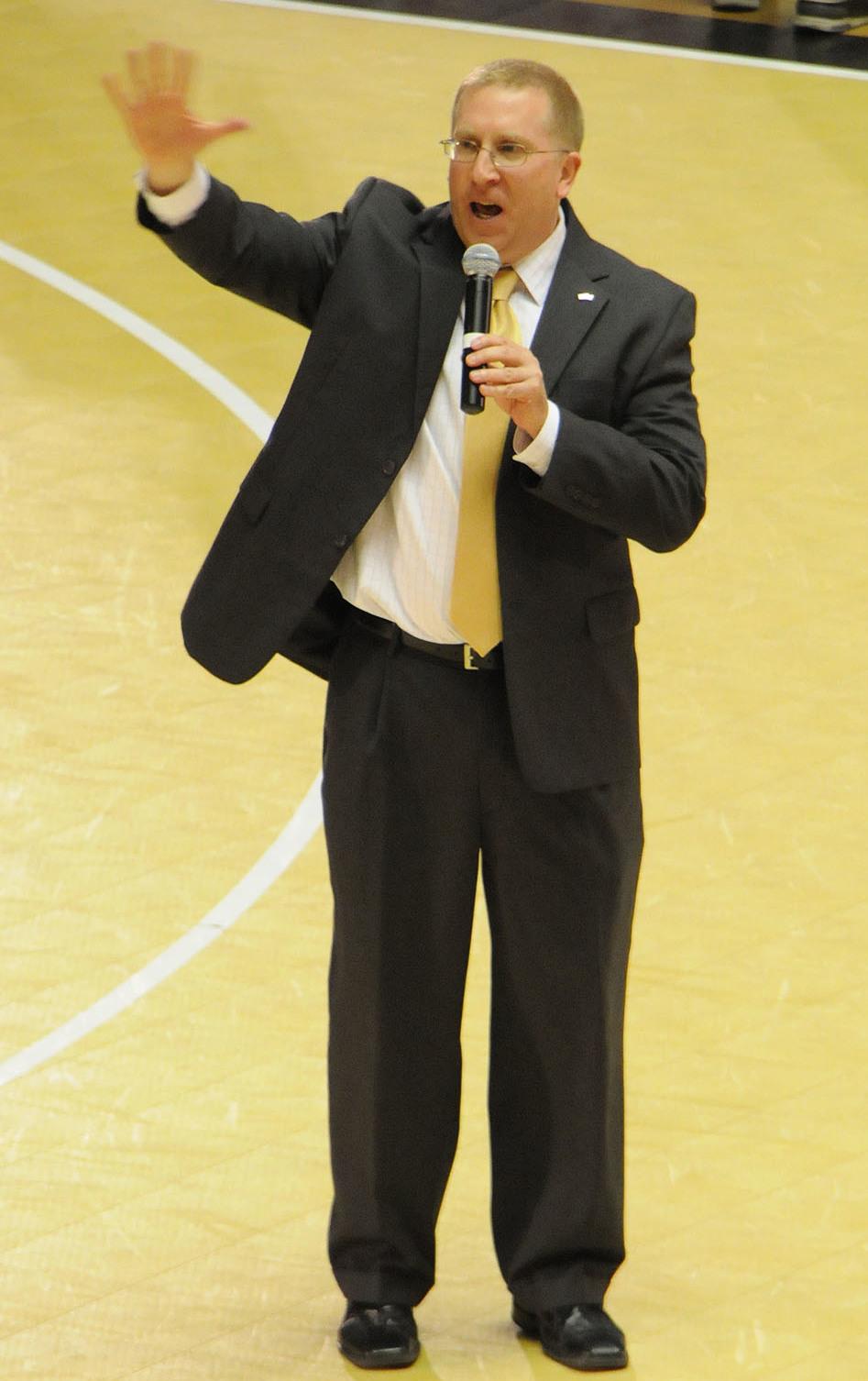 Robert Pierce (basketball) - Wikipedia