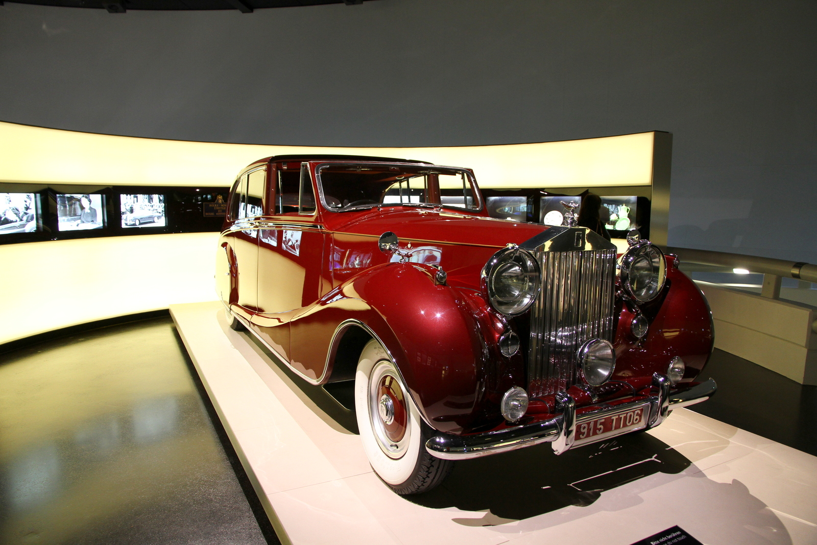 File:Rolls Royce parade car used by British Royal Family.JPG ...