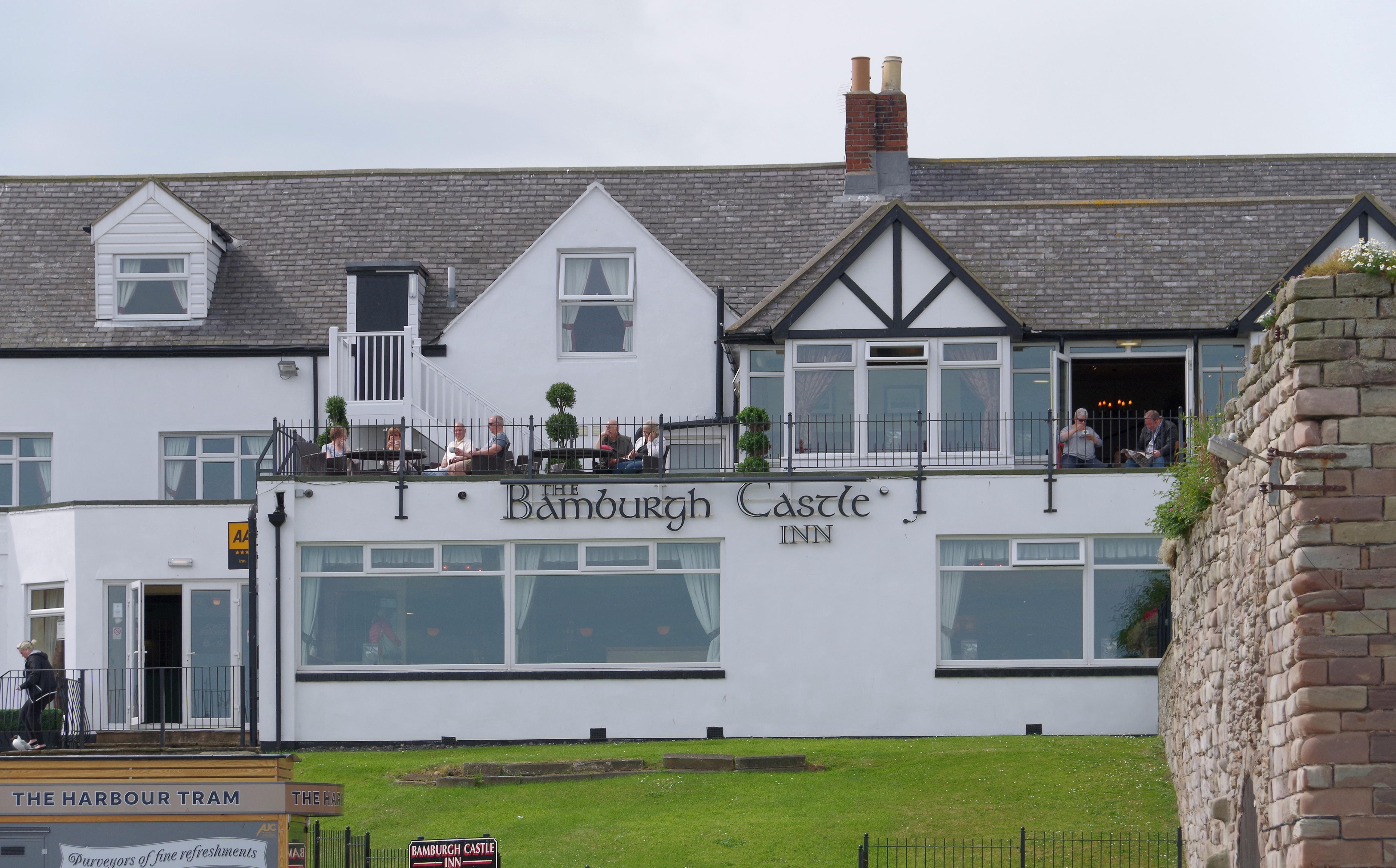 File Seahouses Mmb 05 Bamburgh Castle Inn Jpg