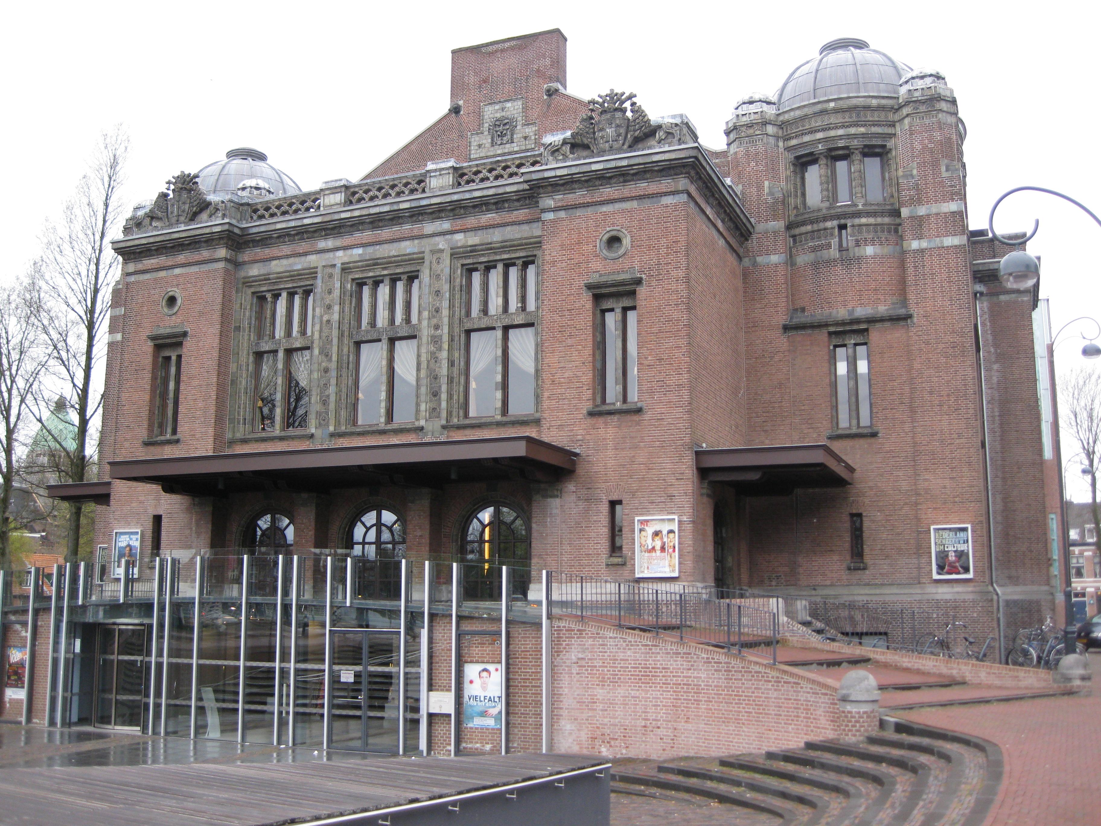 Stadsschouwburg Haarlem front.jpg