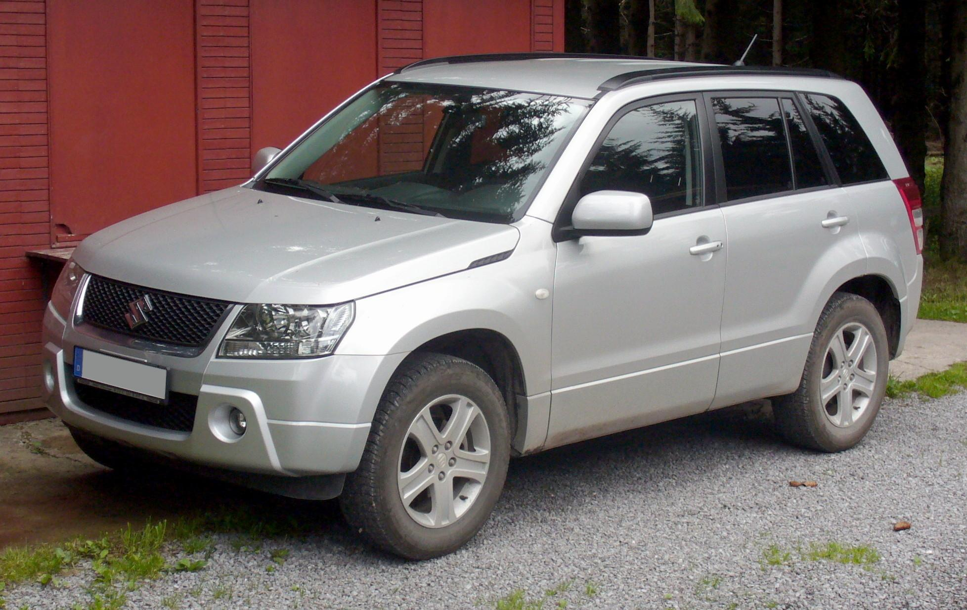 http://upload.wikimedia.org/wikipedia/commons/f/f3/Suzuki_Grand_Vitara_silver.jpg