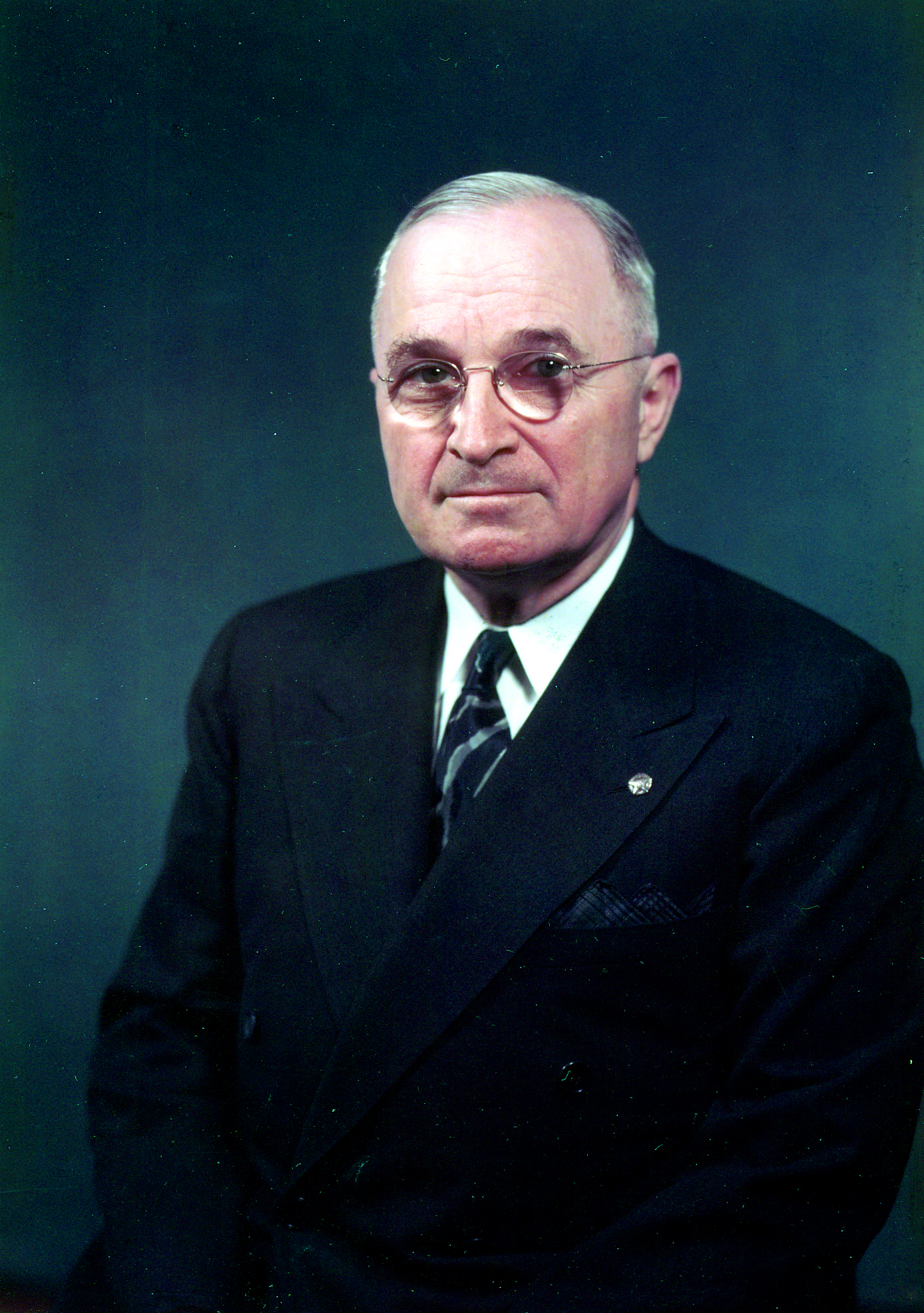a biography of harry s truman 32nd president of the united states Harry s truman was the thirty-third president of the united states (1945-1953) as vice president, he succeeded franklin d roosevelt, who died less than three months after he began his fourth term.
