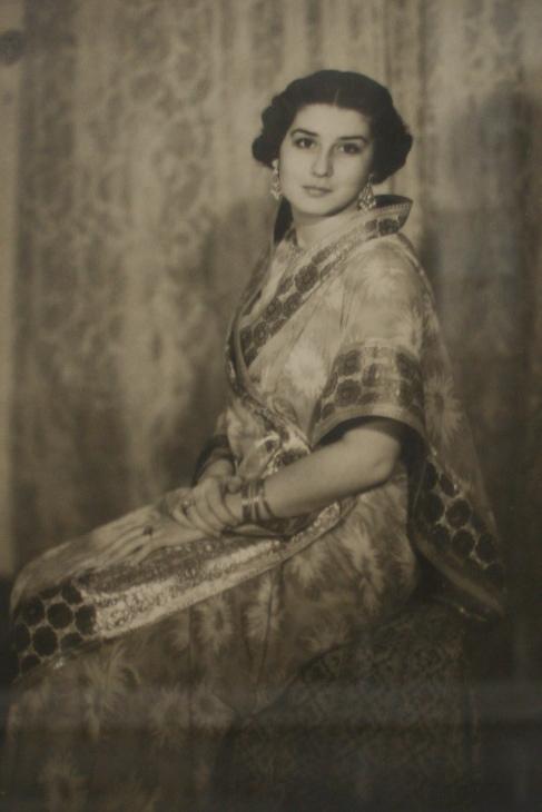 Princess Niloufer - Wikipedia