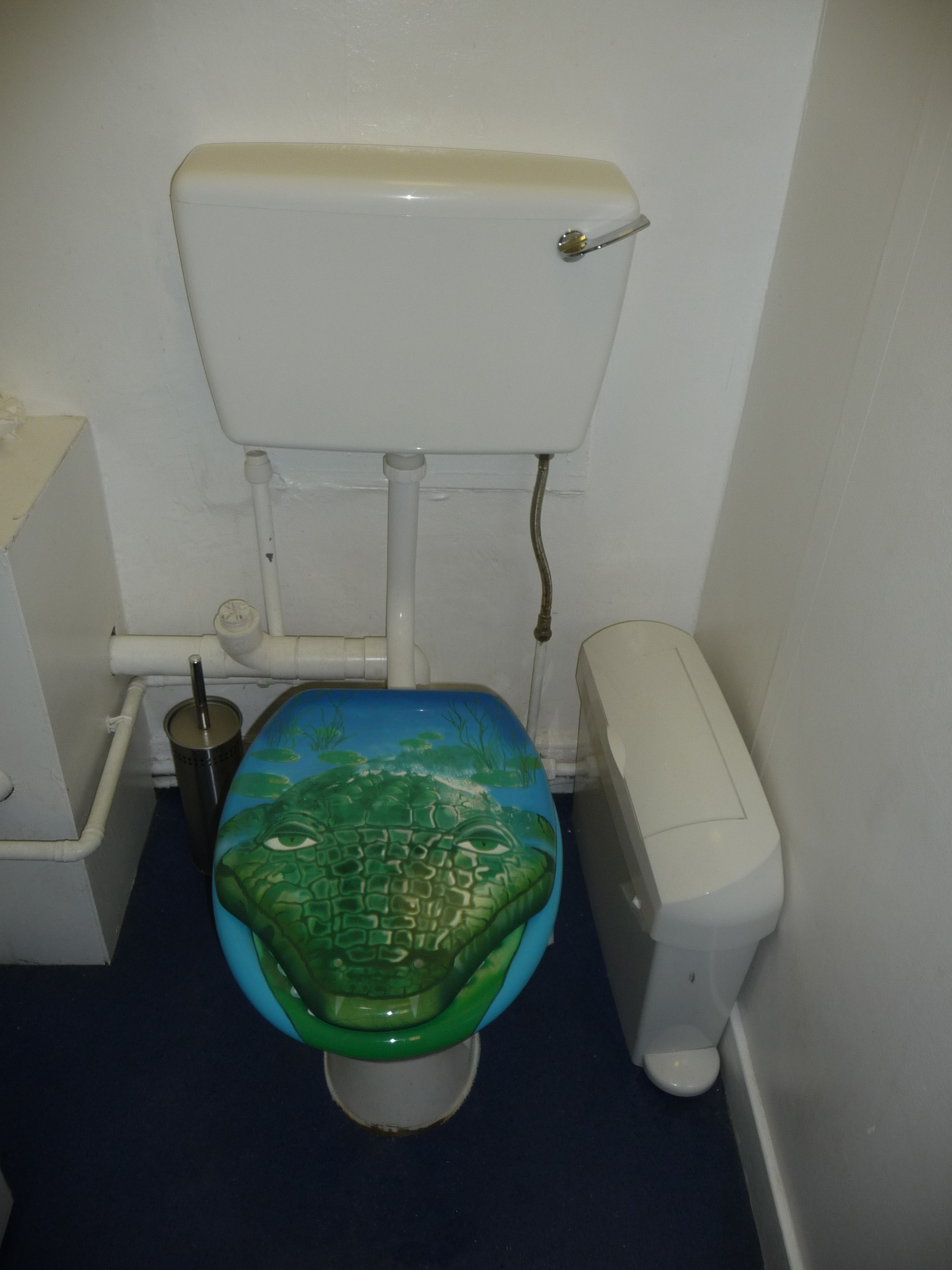 File:Toilet Camera Obscura Edinburgh 1.jpg - Wikimedia Commons
