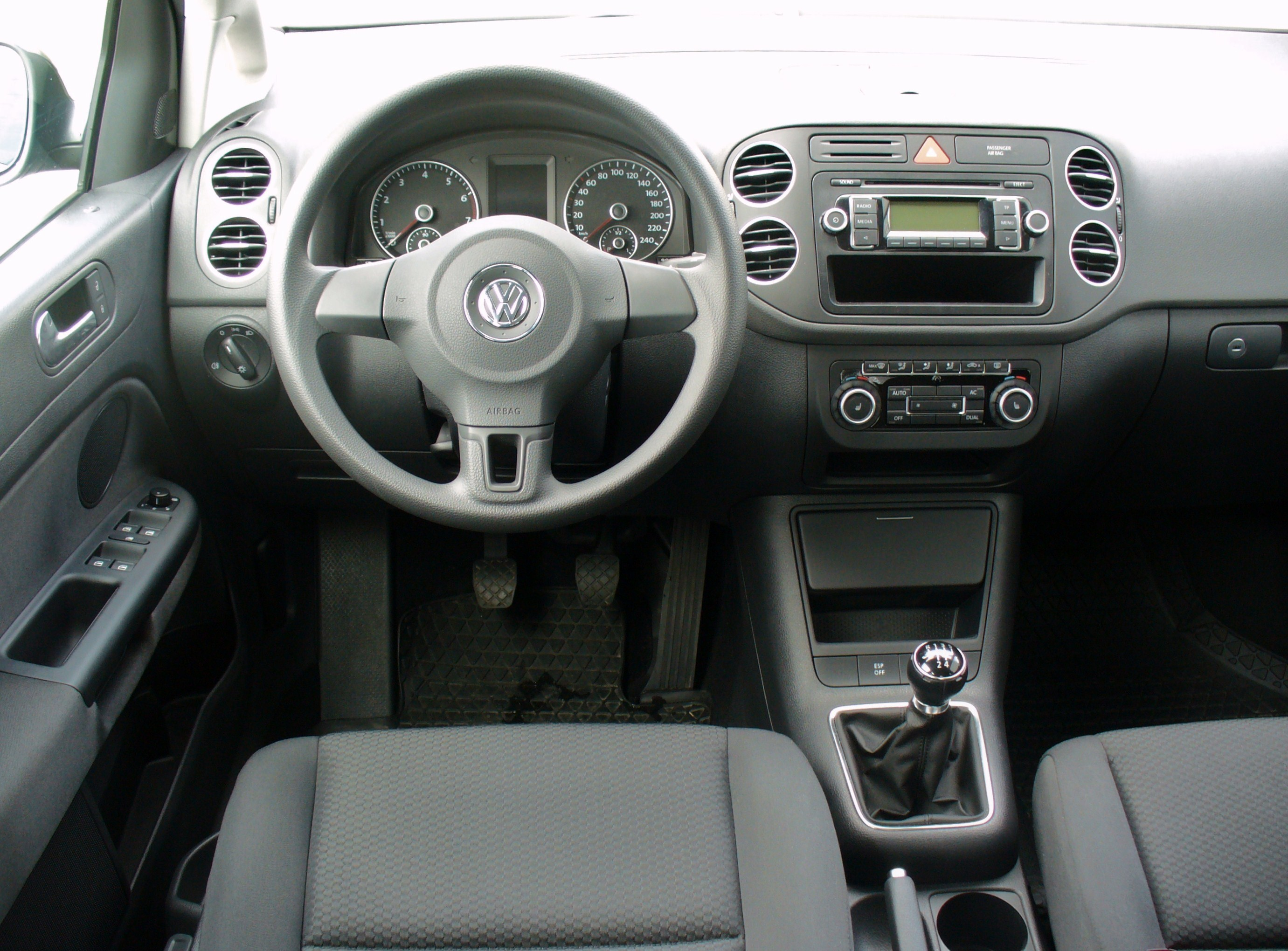file vw golf plus 1 4 trendline united grey interieur jpg wikimedia commons. Black Bedroom Furniture Sets. Home Design Ideas