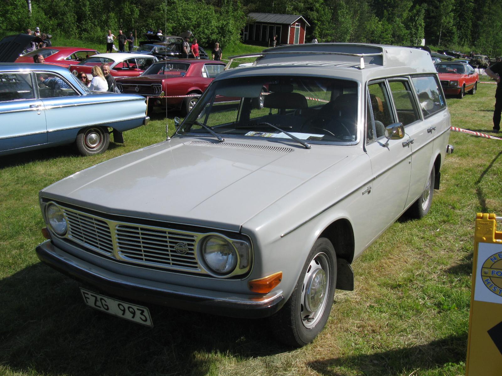 Volvo_145_Express_%289080042654%29.jpg