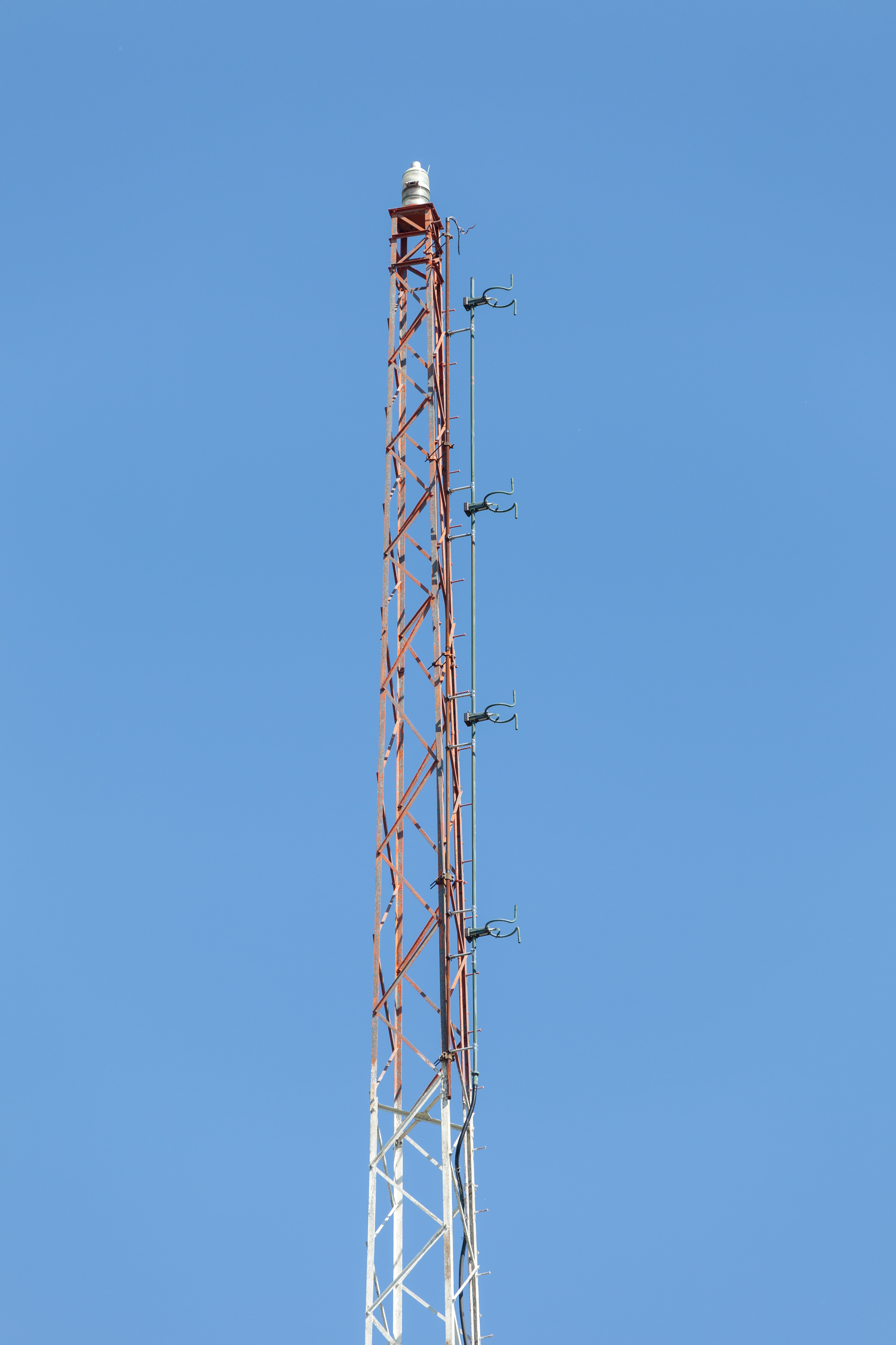 am fm tv with File Wmmn Wgye Tower Fm Antenna on Super Size Me Star Morgan Spurlock Opening Fast Food Restaurant moreover List of television and radio stations in Iloilo City furthermore Sony 20STR DE225 additionally View 1988 Georgie Boy Photo Details Lmxv also Sony 20STR GX315.