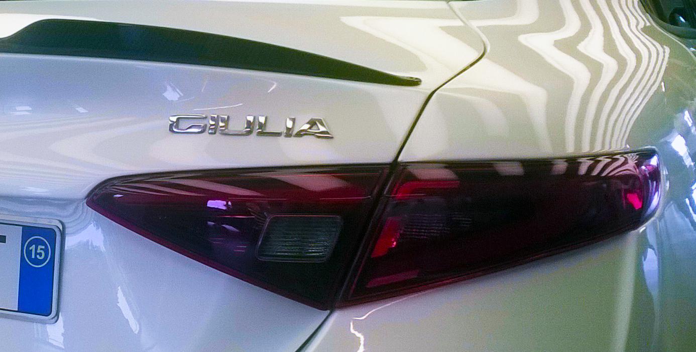 File 15 Italy Alfa Romeo Giulia 2015 Rear Light And Carbon