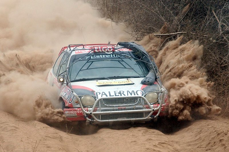 Toyota Corolla Size >> File:2005 Transchaco Rally - Toyota Corolla WRC - Francisco Gorostiaga.jpg - Wikimedia Commons