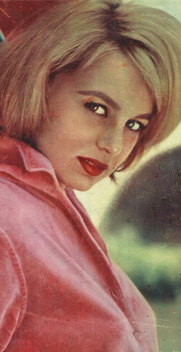 Alessandra Panaro (born 1939)