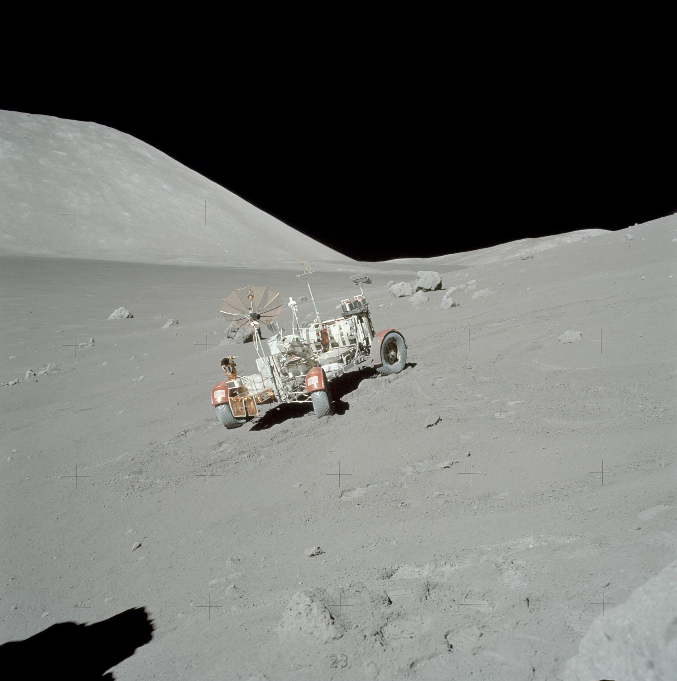 File:Apollo 17 AS17-140-21409HR.jpg