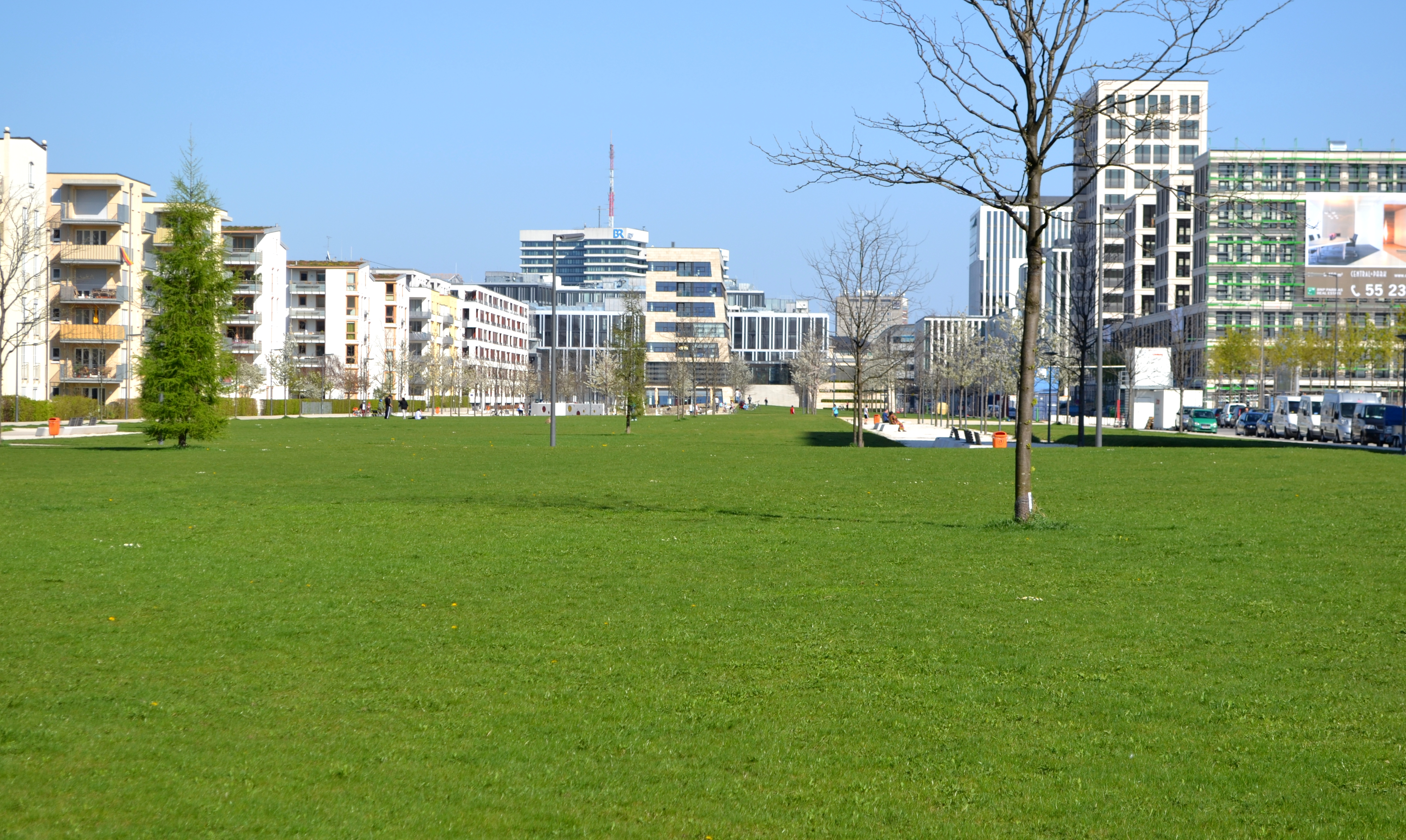 Arnulfpark München - Park.JPG