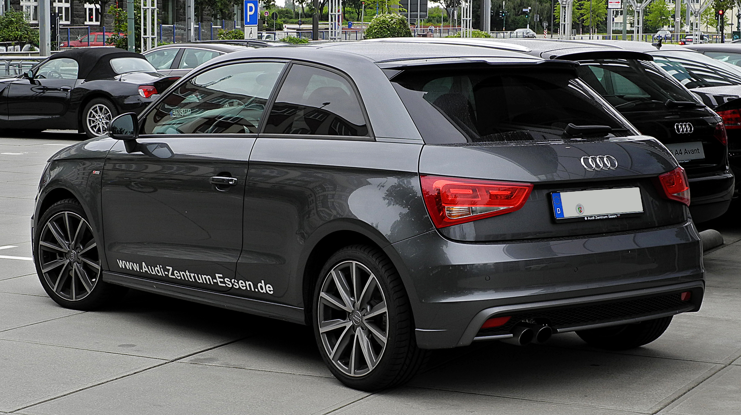 File audi a1 1 4 tfsi ambition s line heckansicht 3 for Wikipedia audi a1