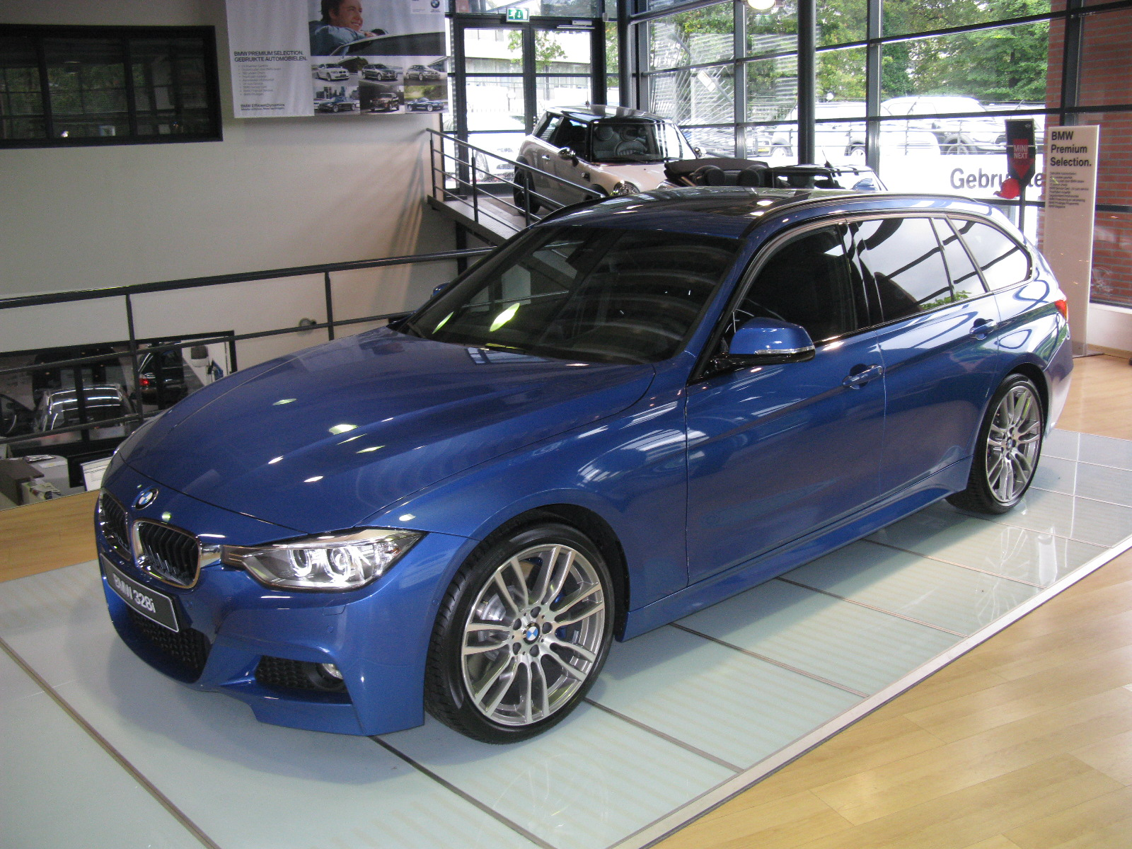 File Bmw 328i Touring M Sport F31 8097937712 Jpg Wikimedia Commons