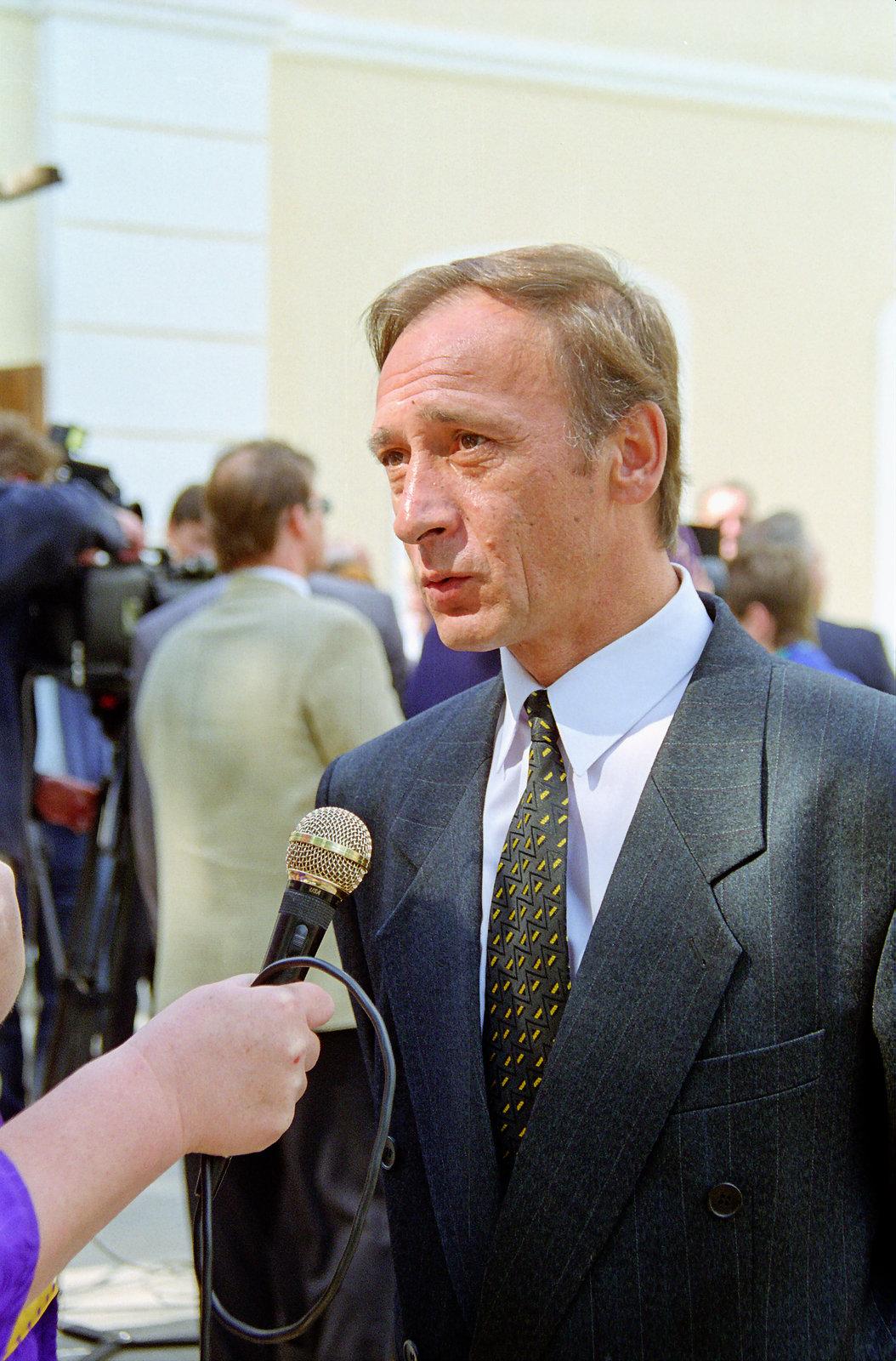 File:Ba-melnik-e-a-1999-nikolsky.jpg