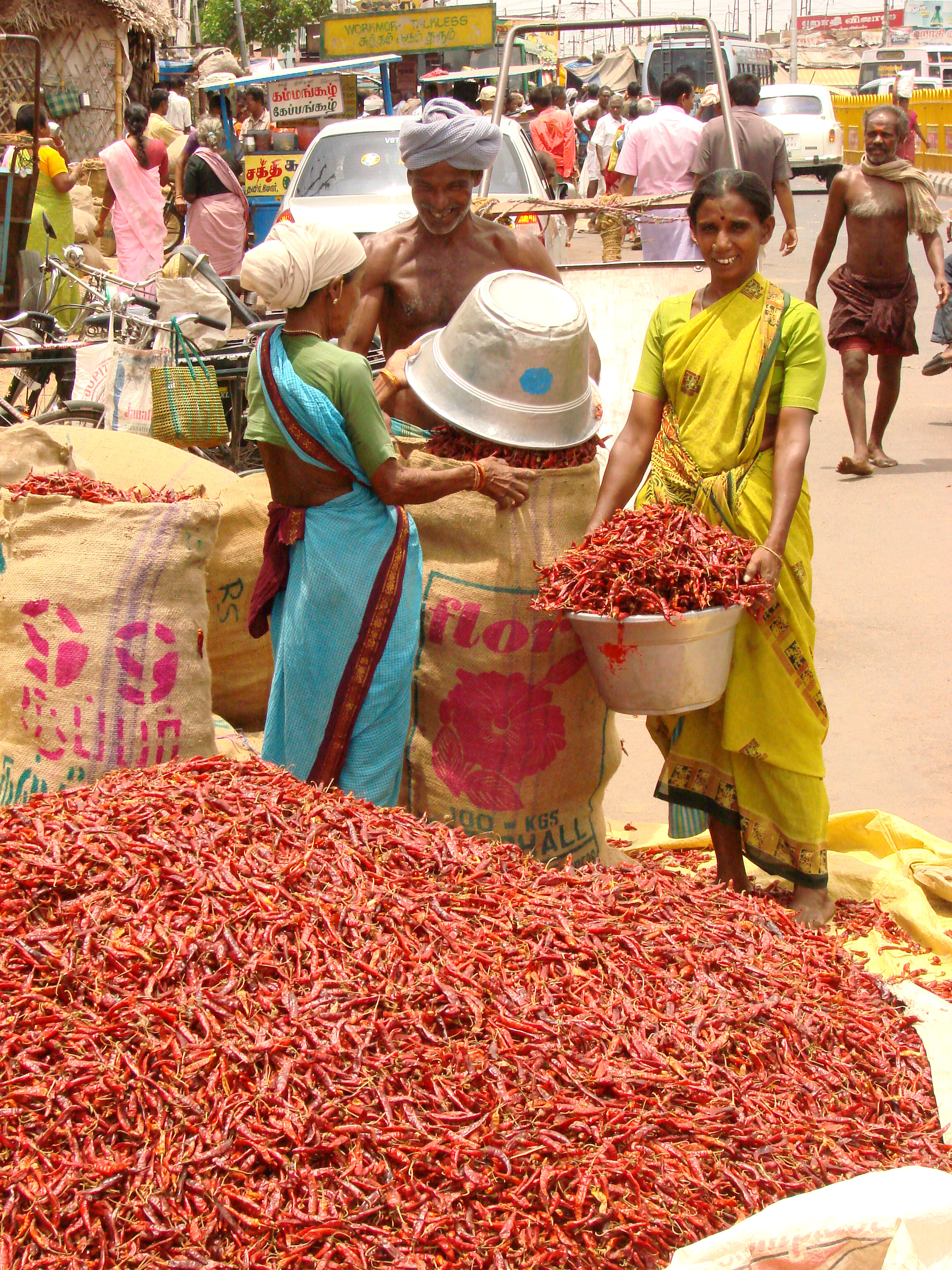 Tiruchirappalli India  city photos gallery : Chili Vendors Tiruchirappalli India Wikimedia Commons
