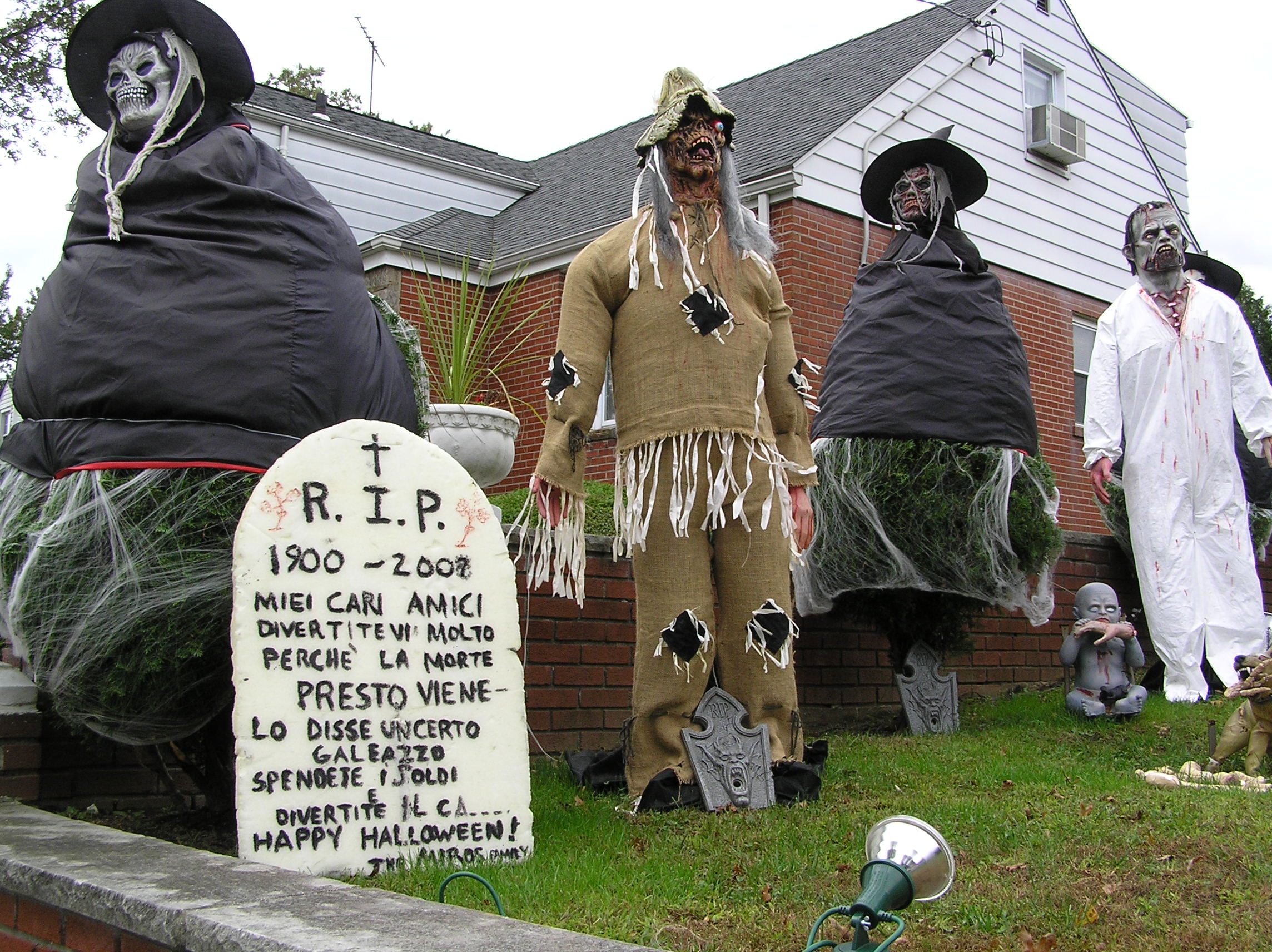 Creepy Halloween Costumes 2011.JPG