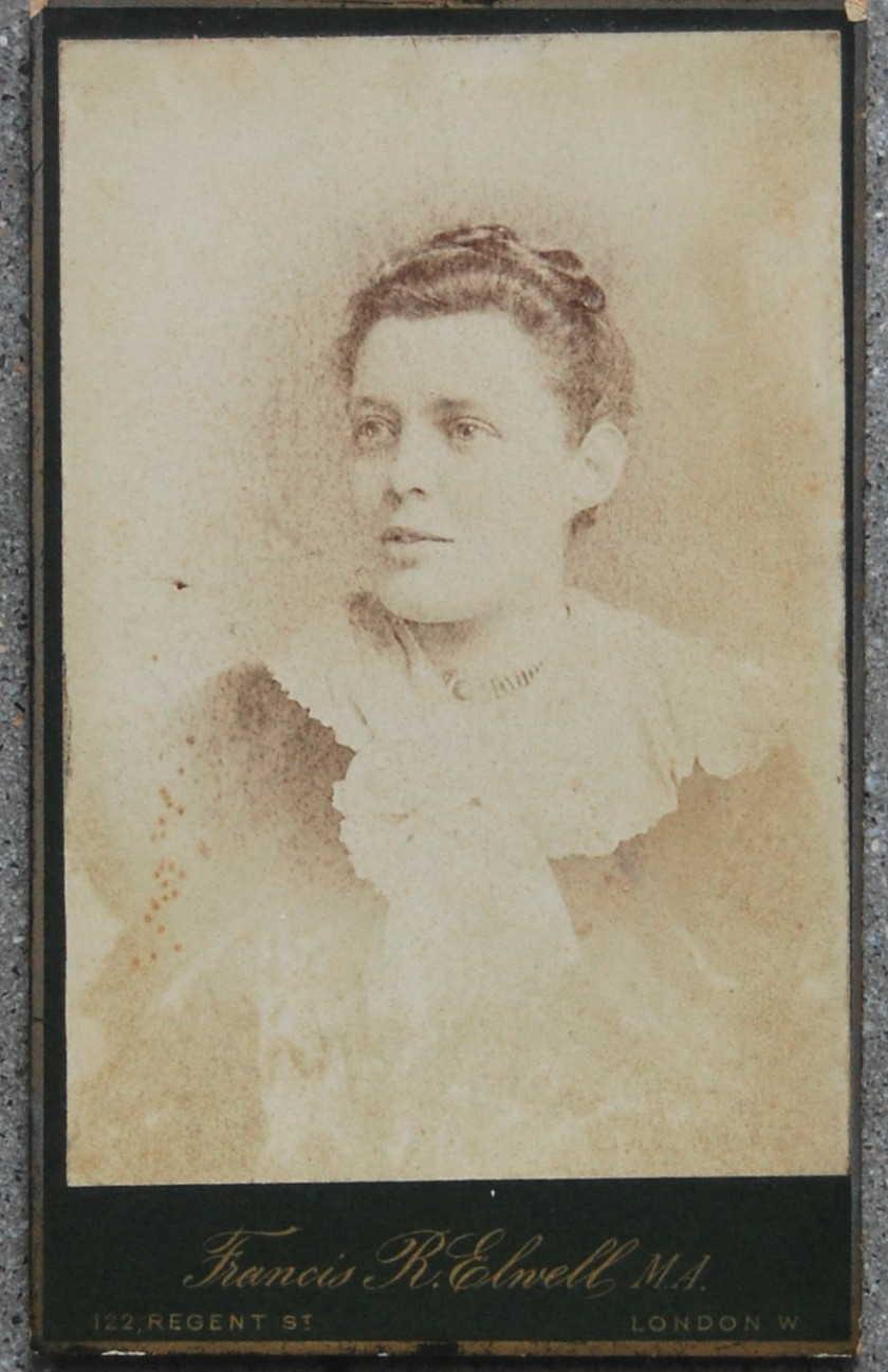 S 90 3 >> Elizabeth Margaret Pace - Wikipedia