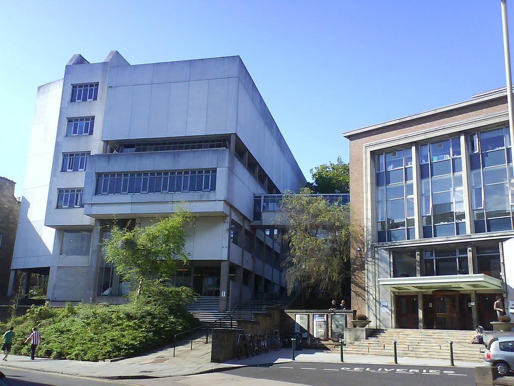college duncan jordanstone dundee university building uni law wikipedia student question