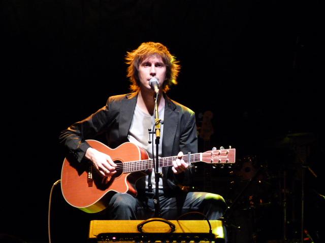 """'''Èric Vinaixa''' en la presentación del disco """"La famosa gemma de Galveston"""", 2011"""