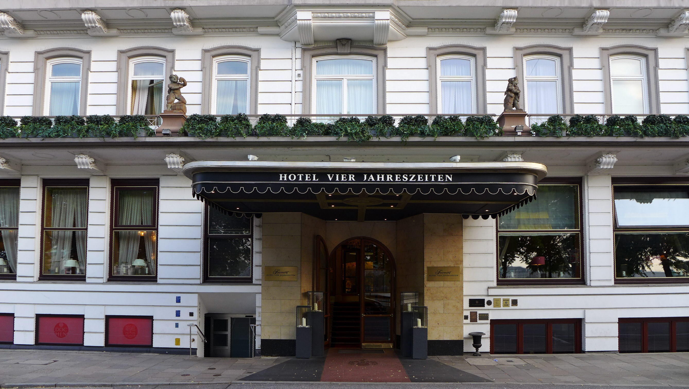 Fairmont Hotel  Jahreszeiten Hamburg
