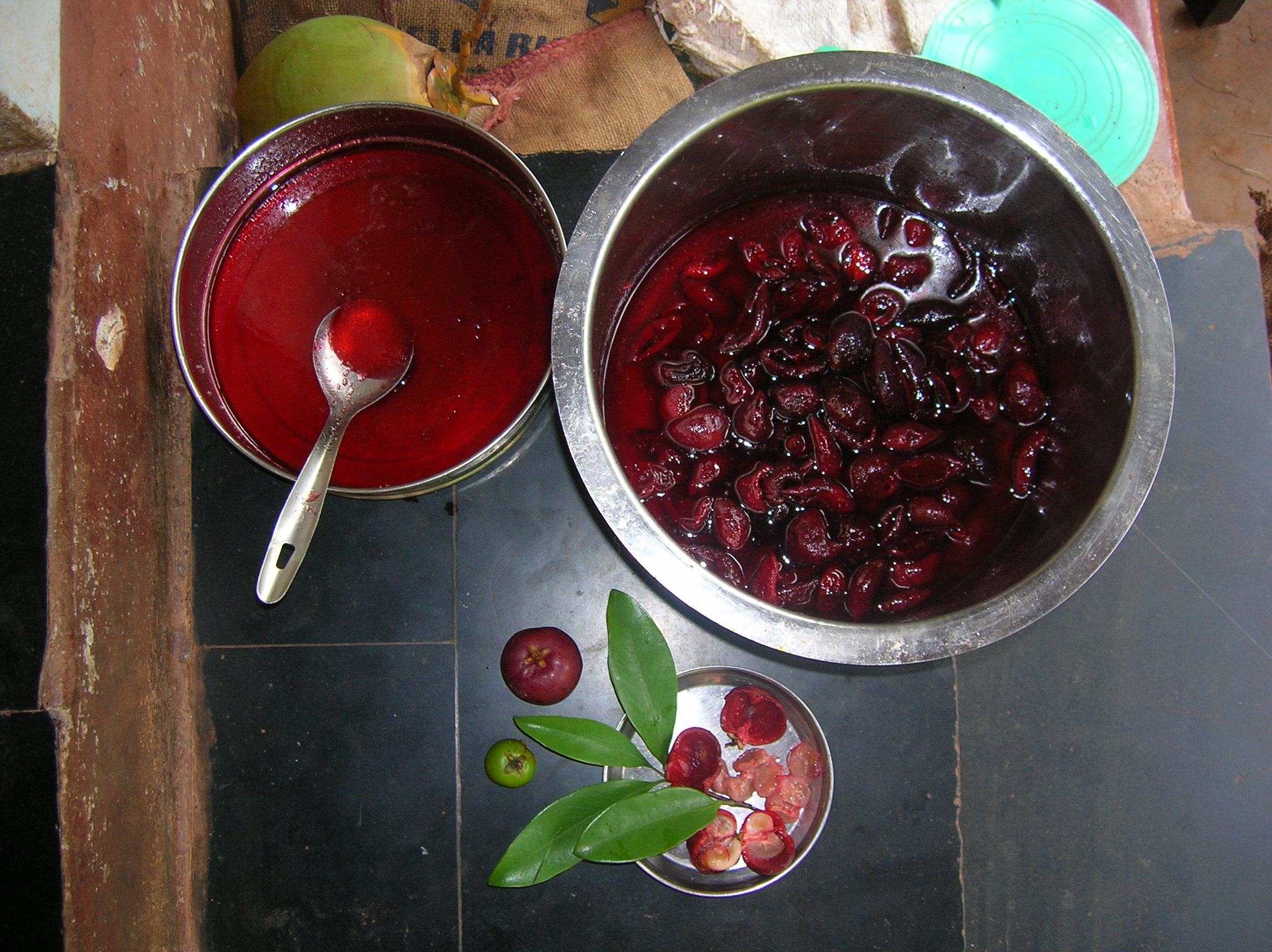 File Garcinia Indica Syrup Making From Rinds Jpg Wikimedia Commons