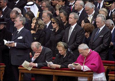 File George W Bush John Paul Ii Funeral Jpg Wikimedia Commons
