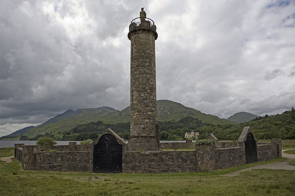 Where to Escape the World in These Holidays? Find the ... |Glenfinnan Scotland