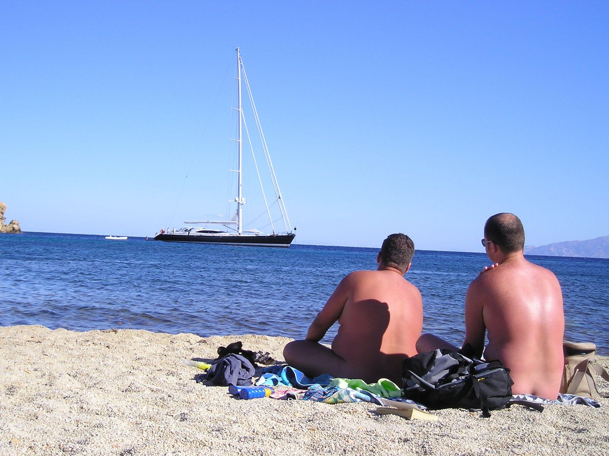 Der FKK-Strand als etablierter Ort des Naturismus