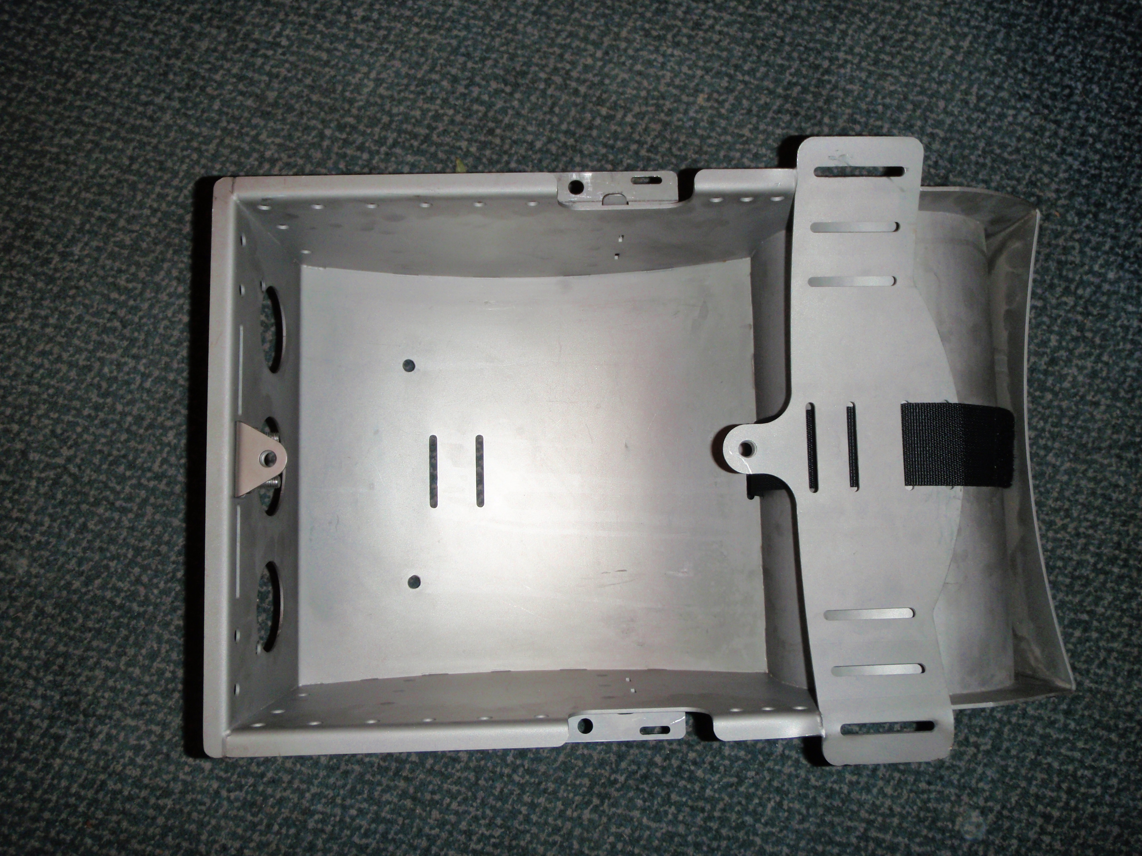 File:Hydrogom aftermarket casing for Draeger Dolphin