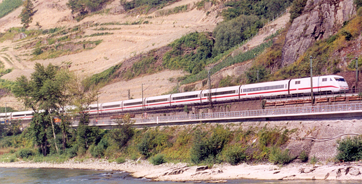 ICE Train by Rhine River (3619844036)