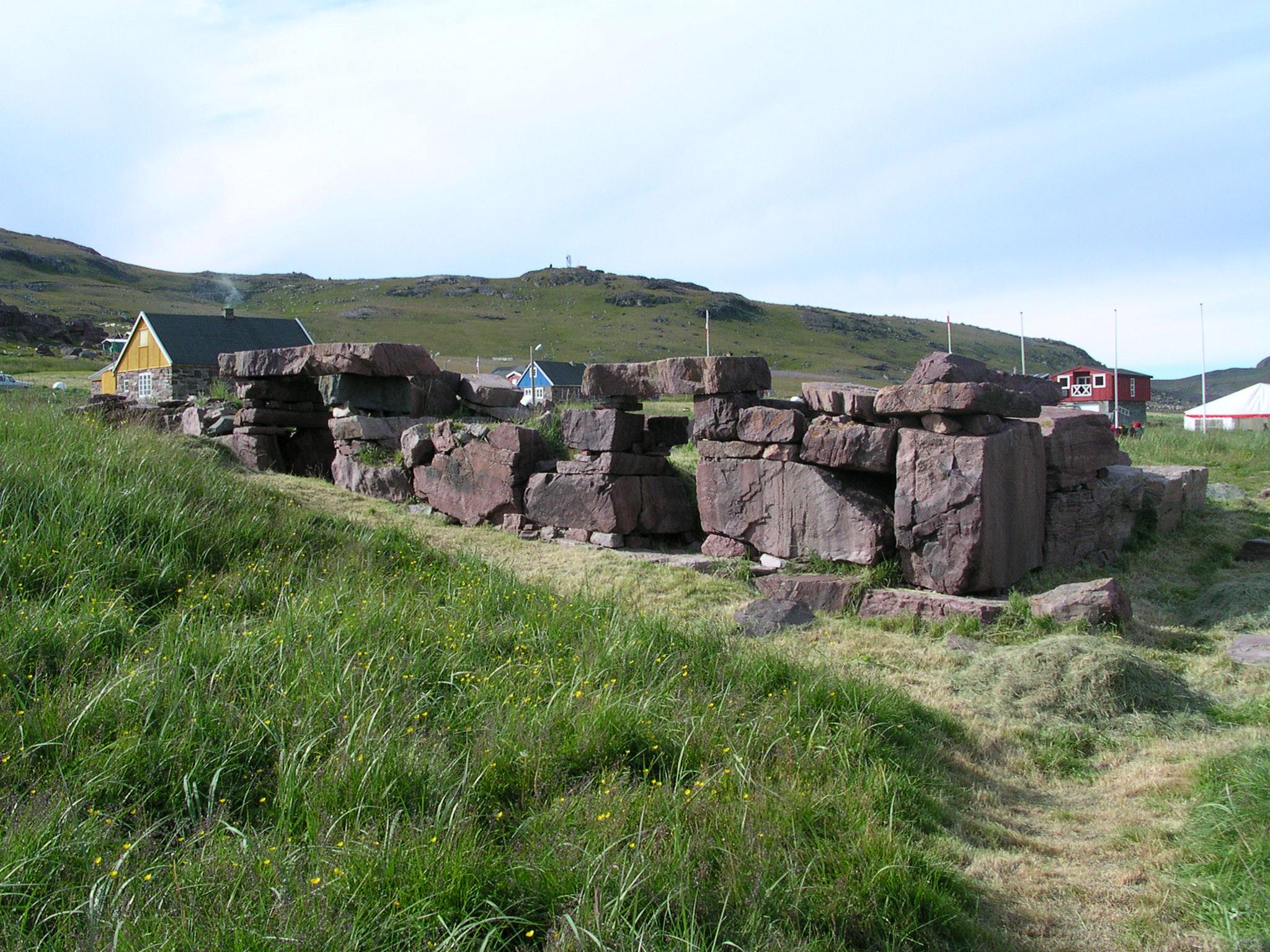 Garðar Cathedral Ruins - Wikipedia