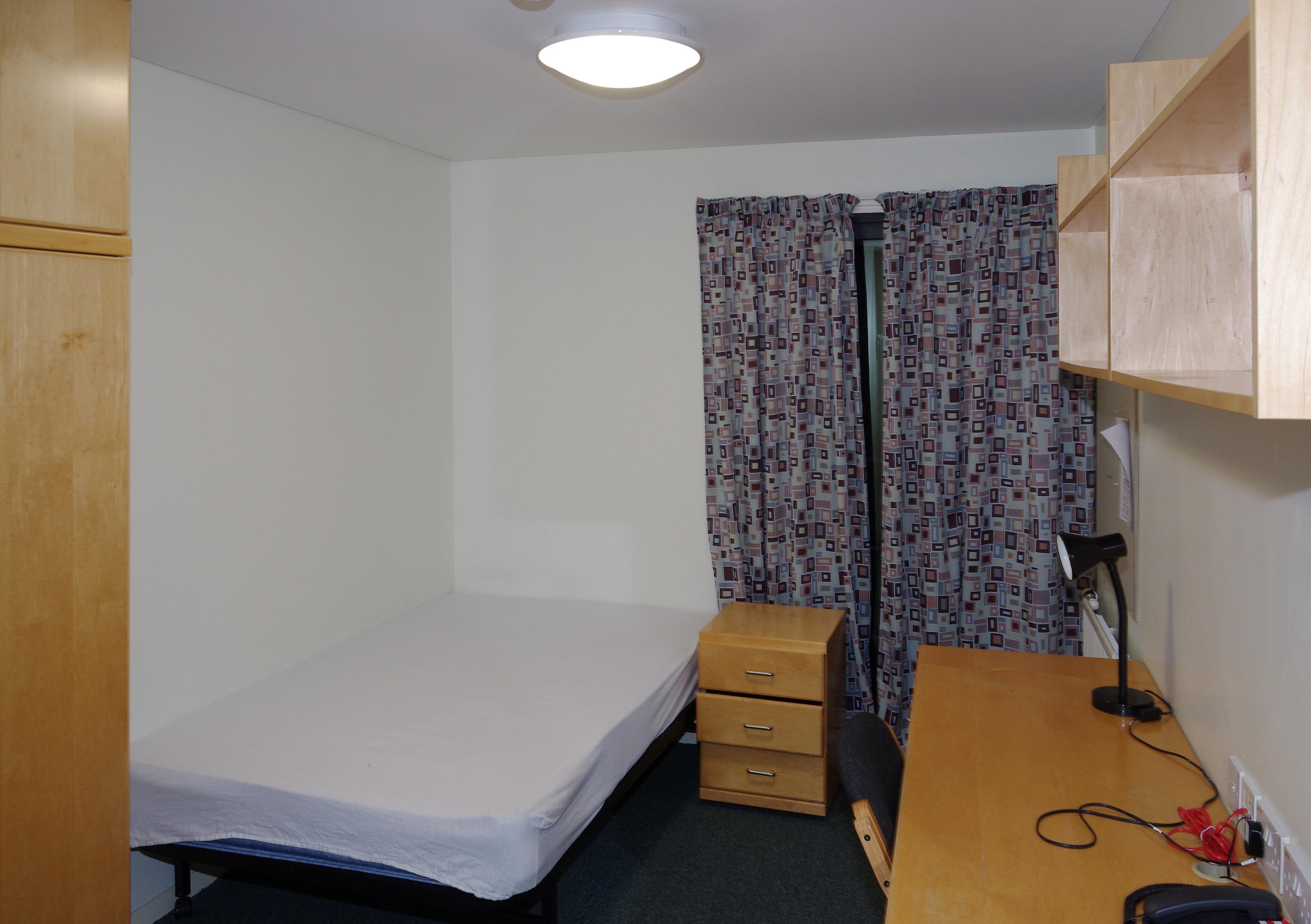Nottingham University Catered Accommodation Student Room